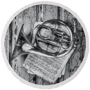 Small French Horn Black And White Round Beach Towel