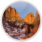 Smith Rock State Park In Morning Round Beach Towel