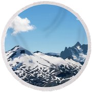 Snow-covered Peaks In North Cascades Round Beach Towel