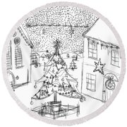 Snowing At Christmas Round Beach Towel