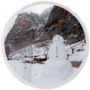 Snowman In Zion Round Beach Towel