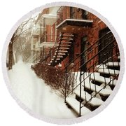 Snowstorm In Montreal Round Beach Towel