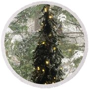 Snowy Christmas Round Beach Towel