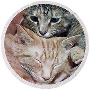 Snuggling Kittens Round Beach Towel