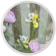 Soft Summer Flowers Round Beach Towel