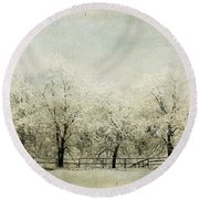 Softly Falling Snow Round Beach Towel