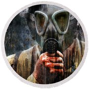 Soldier In World War 2 Gas Mask Round Beach Towel