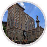 Soldiers Monument In Penn Square In Lancaster Round Beach Towel