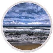 Sotto Il Maestrale Urla E Biancheggia Il Mar Round Beach Towel