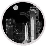 Space Shuttle Discovery On Launch Pad Round Beach Towel