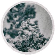 Spring Snowstorm On The Treetops Round Beach Towel