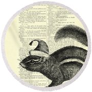 Squirrel With Hat Round Beach Towel