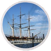 Ssv Oliver Hazard Perry Round Beach Towel