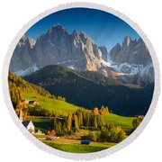 St. Magdalena Alpine Village In Autumn Round Beach Towel