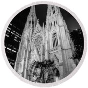 St Patrick Cathedral Black And White  Round Beach Towel