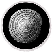 Staircase Or Sundial Shell  In Black And White Round Beach Towel