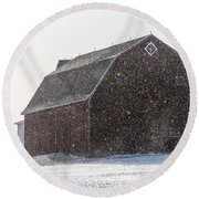 Standing Tall In The Snow Round Beach Towel
