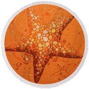 Starfish In Coral Round Beach Towel