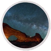 Starry Night At North Window Rock Round Beach Towel