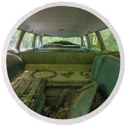 Station Wagon In Color Round Beach Towel