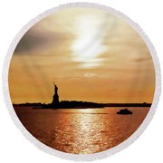 Statue Of Liberty At Sunset Round Beach Towel