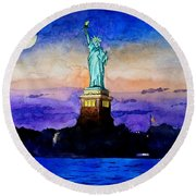 Statue Of Liberty New York Round Beach Towel
