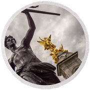 Statues In Front Of Buckingham Palace Round Beach Towel