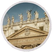 Statues Of St Peter's Basilica Round Beach Towel