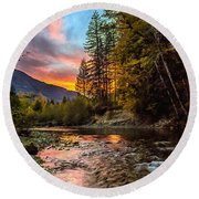 Stillaguamish Sunset Round Beach Towel