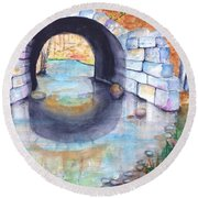 Stone Arch Bridge Dunstable Round Beach Towel