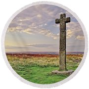 Stone Cross On North York Moors Round Beach Towel