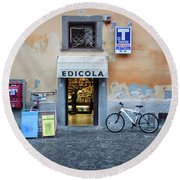 Storefront In Rome Round Beach Towel