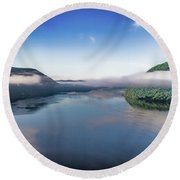 Storm King And The Highlands Round Beach Towel