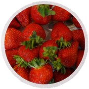 Strawberries Round Beach Towel