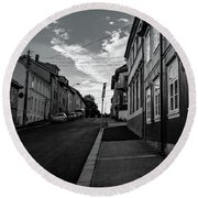 Street In Toyen Round Beach Towel