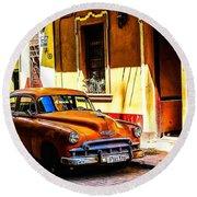 Streets Of Havana Round Beach Towel