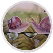 Sue And Sammy Snail Round Beach Towel