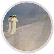 Summer Evening On The Skagen Southern Beach With Anna Ancher And Marie Kroyer Round Beach Towel