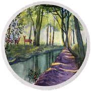 Summer Shade In Lowthorpe Wood Round Beach Towel