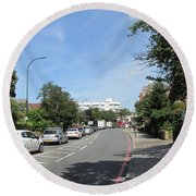 Summers Walk To Catford Town Centre - Lewisham - London Round Beach Towel