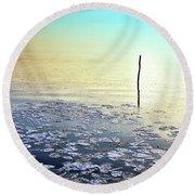 Sun Going Down In Calm Frozen Lake Round Beach Towel