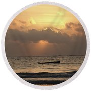 Sun Rays On The Water With Wooden Dhows Round Beach Towel