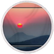 Round Beach Towel featuring the photograph Sun Teed Up by Fiskr Larsen