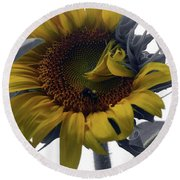 Sunflower Bee Round Beach Towel