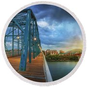 Sunlight Thru Rain Over Chattanooga Round Beach Towel
