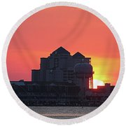 Sunrise At 17th St Round Beach Towel
