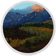 Round Beach Towel featuring the photograph Sunrise At Dallas Divide During Autumn by Jetson Nguyen