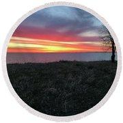 Sunrise At Lake Sakakawea Round Beach Towel