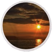 Round Beach Towel featuring the photograph Sunrise In Portland by Baggieoldboy