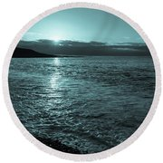 Sunrise In Stonehaven B-w Round Beach Towel